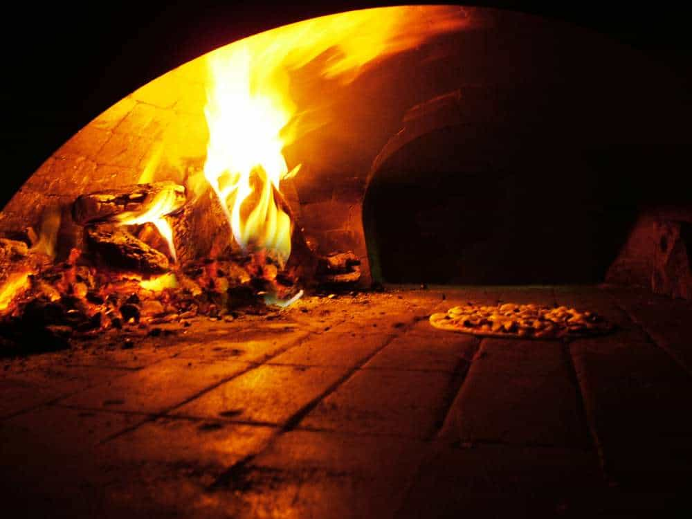 MOBILE WOODFIRED PIZZA CATERING